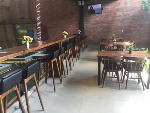 NHÀ HÀNG CAFE
