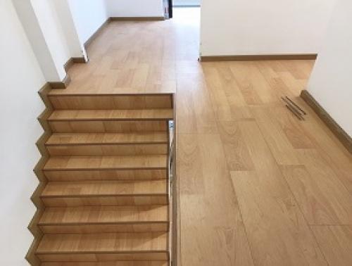 Sàn gỗ - Cầu thang gỗ