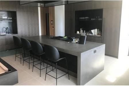 Bàn bếp, quầy bar beton nguyên khối