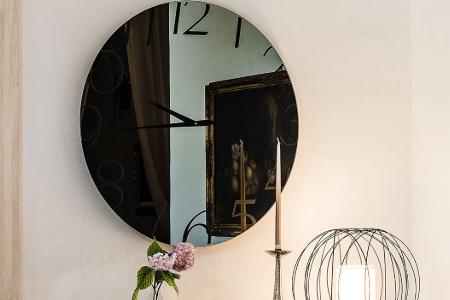 Gương treo tường kết hợp đồng hồ Moment