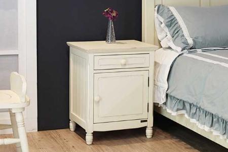 Y19-Tủ đầu giường Pleasance (Màu trắng kem)