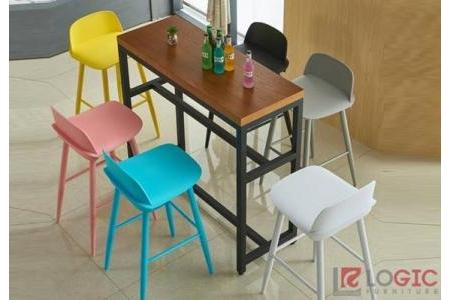Ghế Bar trong trang trí quán cafe, quán trà sữa