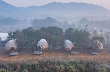 Khách sạn cabin hình quả trám độc đáo ở Trung Quốc