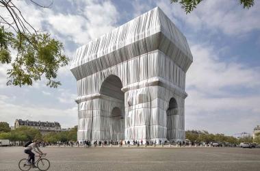 Khải Hoàn Môn (Pháp) độc lạ trong tấm áo mới